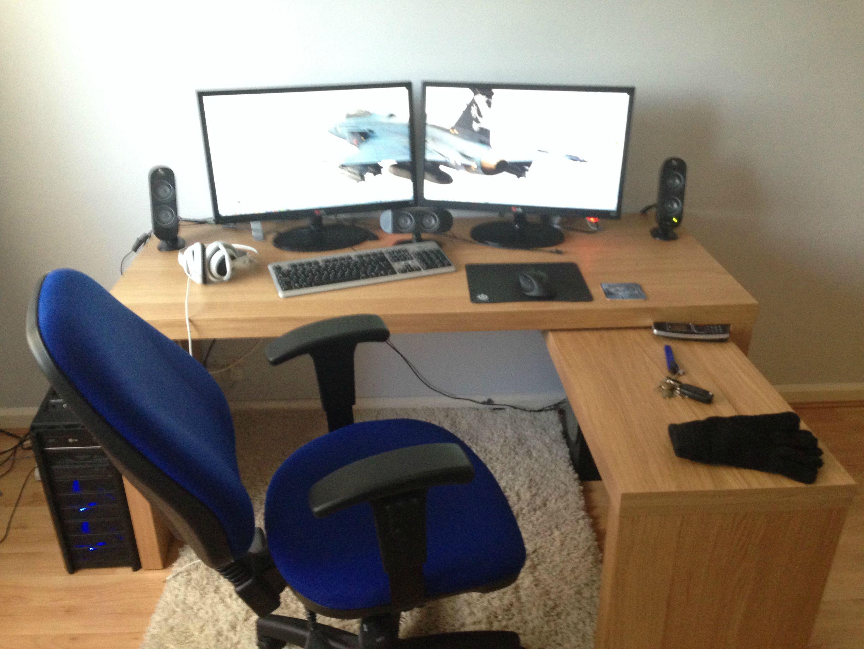 Ikea desk gaming setup hostgarcia for Ikea gaming table
