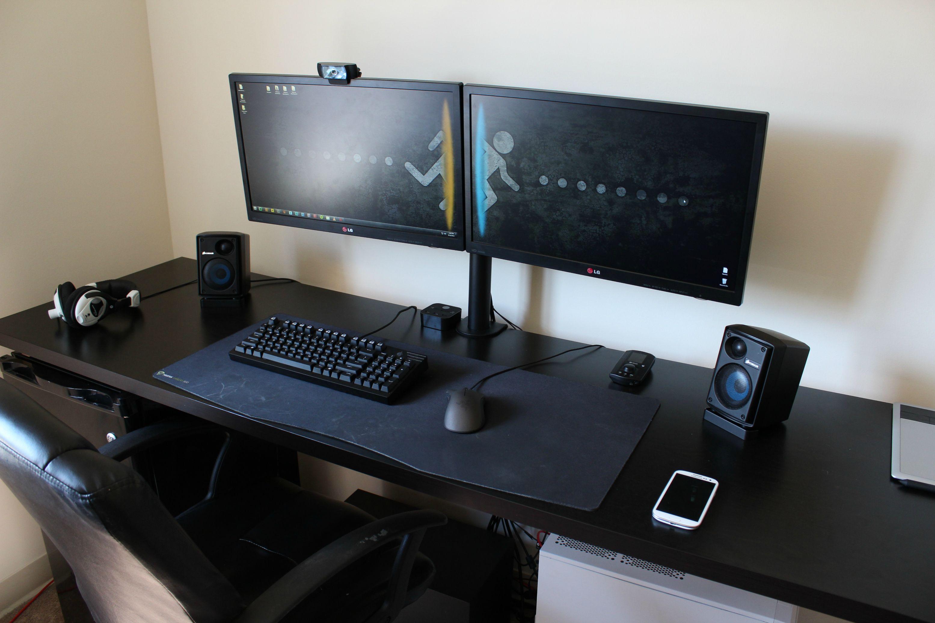 cool computer setups and gaming setups. Black Bedroom Furniture Sets. Home Design Ideas